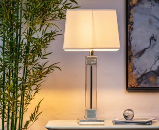 Graceful Clear White Table Lamp for House Decoration